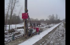stocklot - Used vibro hammer PVE 38M to work on a crane or piling rig