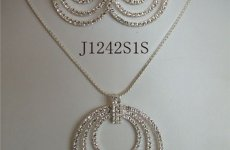 stocklot - Vintage Rhinestone Jewelry Necklace Sets Circle Necklace Set
