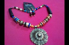 stocklot - Classic beaded necklaces