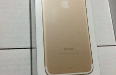 stocklot - Apple iPhone 7-32GB - Gold